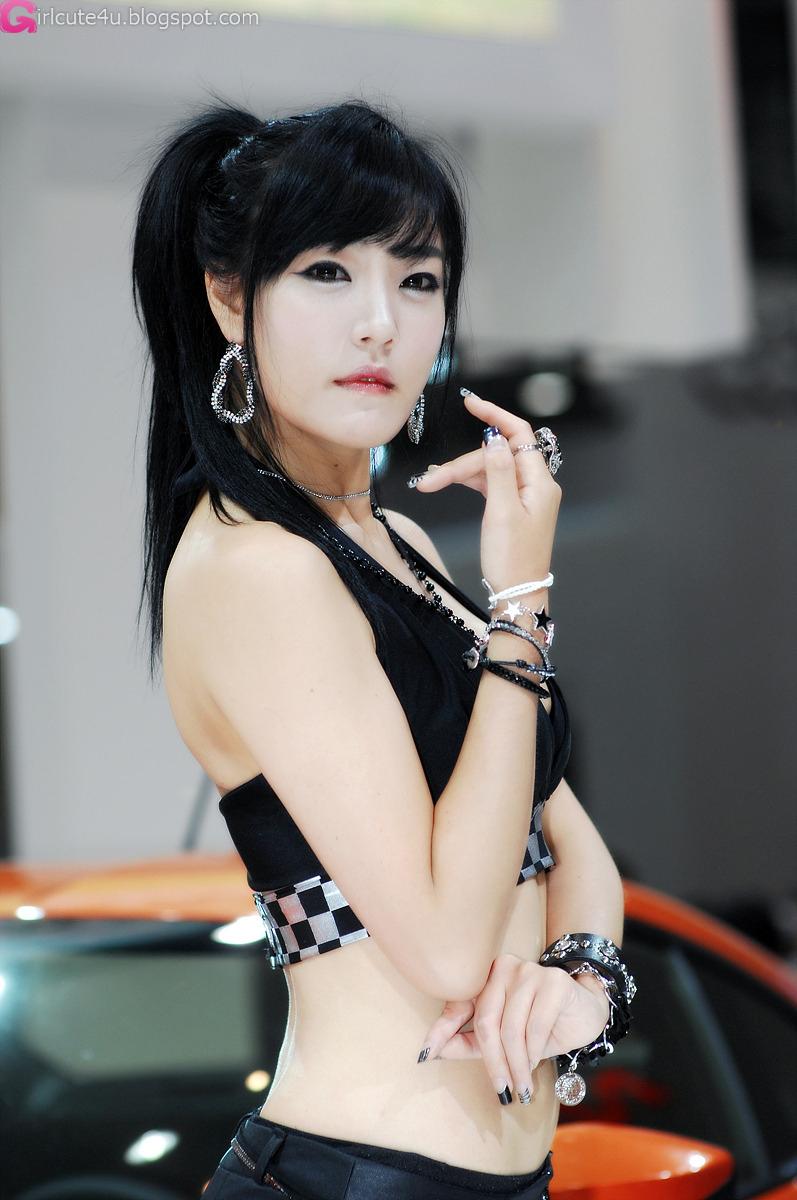 xxx nude girls: Yook Ji Hye for Infiniti FX30d