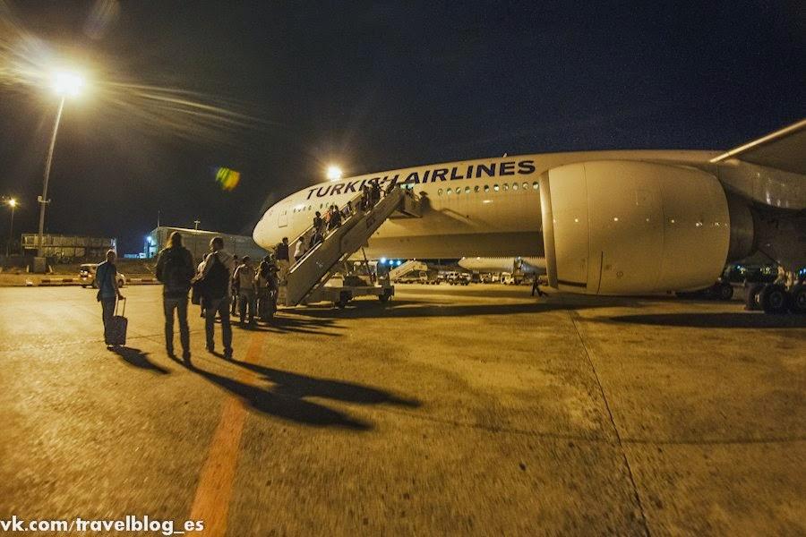Посадка на рейс Стамбул - Бангкок. Boing 777