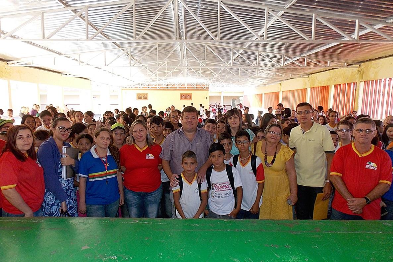 ITAPETIM: 'Escola Municipal Antônio Piancó Sobrinho (EMAPS) recebeu ventiladores, birôs e aparelhos de ar condicionado.'