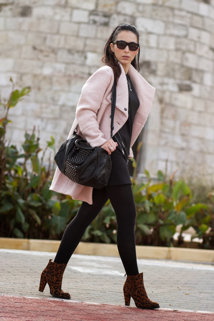 Little Black Dress with zippers and pink coat Style chic