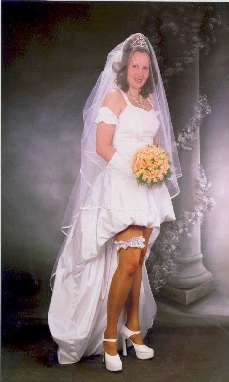 Short wedding dress knitting gallery for Bridesmaid dresses for november weddings