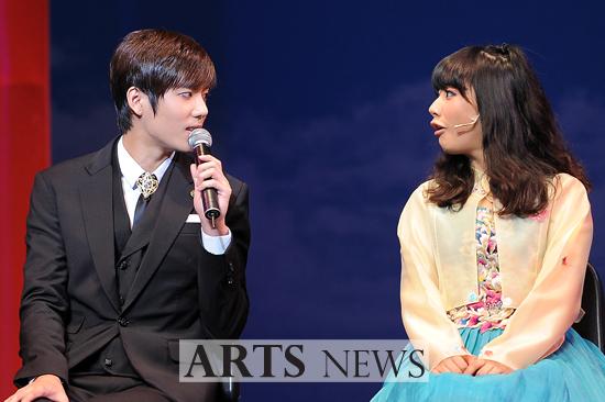 [MUSICAL] 08/04/2011 - KyuJong @ Goong Musical  - Page 4 KJ-Goong-media-02