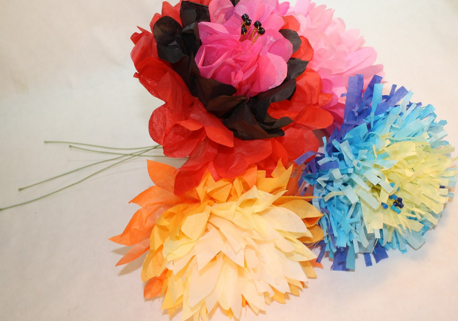 Watch some of my favorite DIY teens make these gorgeous giant tissue paper ...