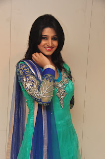 Model Shamili in chudidar at cmr event 011.jpg