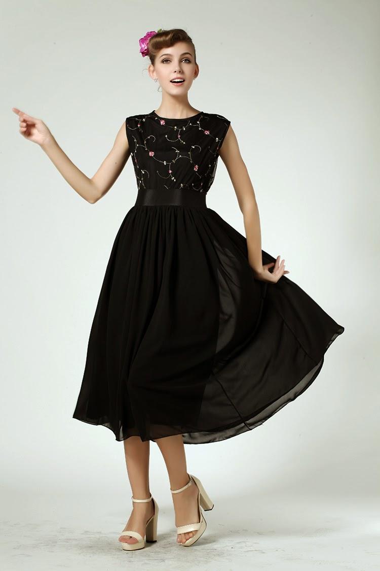 Sleeveless Rose Embroidery Lace Dress