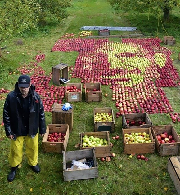 紀念永遠的蘋果賈伯斯,用蘋果讓賈伯斯再度復活?