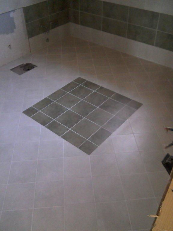 Bagno con vasca gabbatore mattia - Posa piastrelle diagonale ...