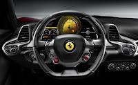 Ferrari 458 Italia interieur volant
