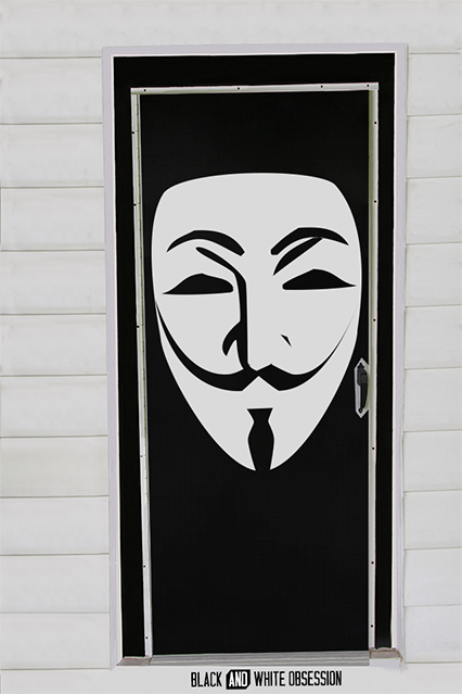 Movie Themed Halloween Door Decorations: V for Vendetta | www.blackandwhiteobsession.com