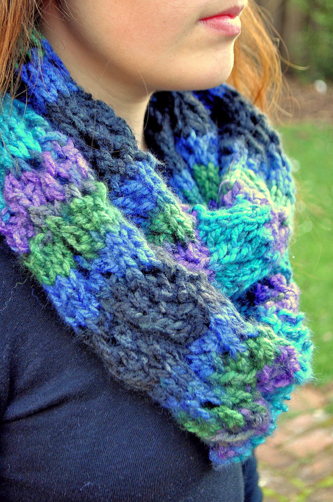The Craft Lizard: Winding River Infinity Scarf