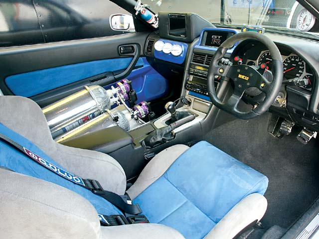 cars and only cars nissan skyline gtr r34 interior. Black Bedroom Furniture Sets. Home Design Ideas