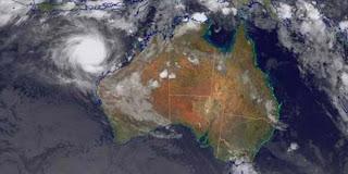 Australia Terancam Badai Topan Narelle