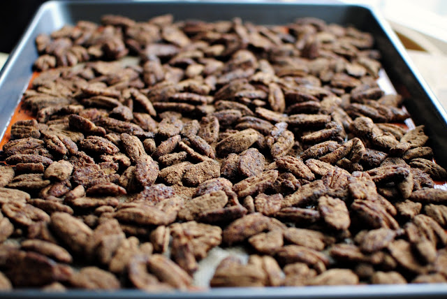 Mexican Hot Chocolate Pecans l SimplyScratch.com