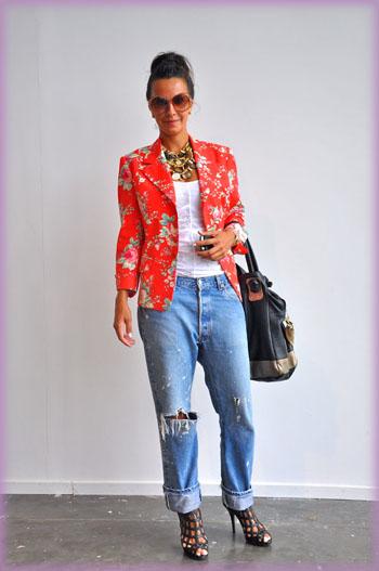 Looks com blazer feminino florido