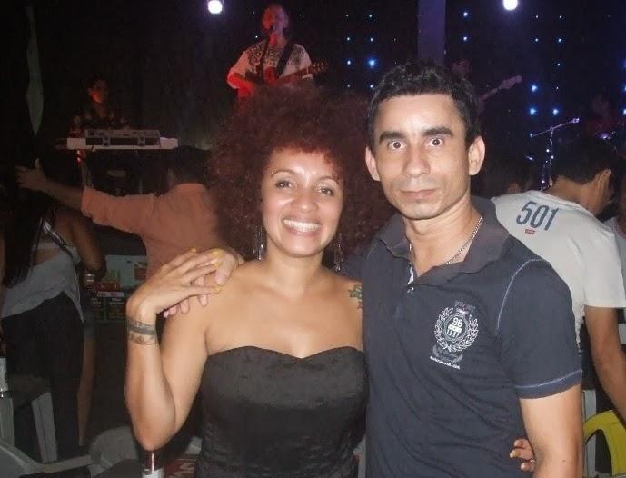 Joabe Reis e a cantora Joelma Klaudia