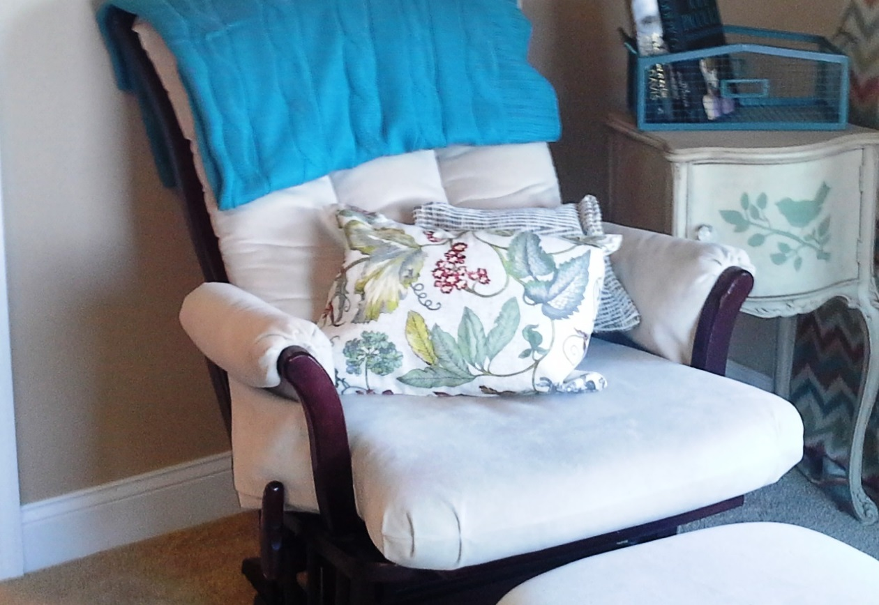 Diy Decorative Bed Pillows : Decorative Pillow DIY - Lynn Fern