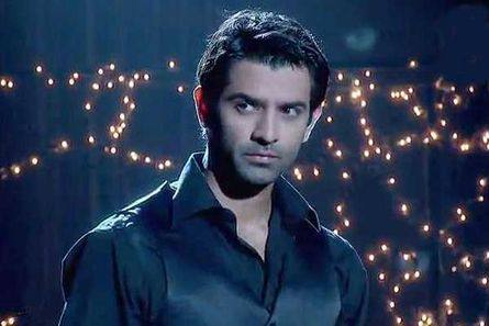 Arnav Returns Home High Voltage Drama Iss Pyaar Kya Naam Doon
