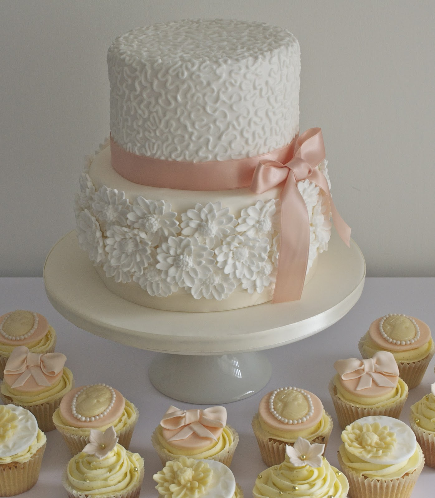 Simple White 2 Tier Wedding Cake & Becuo