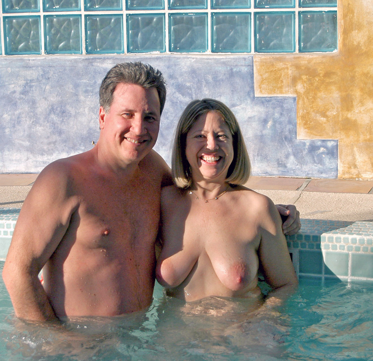 Valentines%252Band%252Bjacuzzi%252B019 Sexy blondes in the bathroom