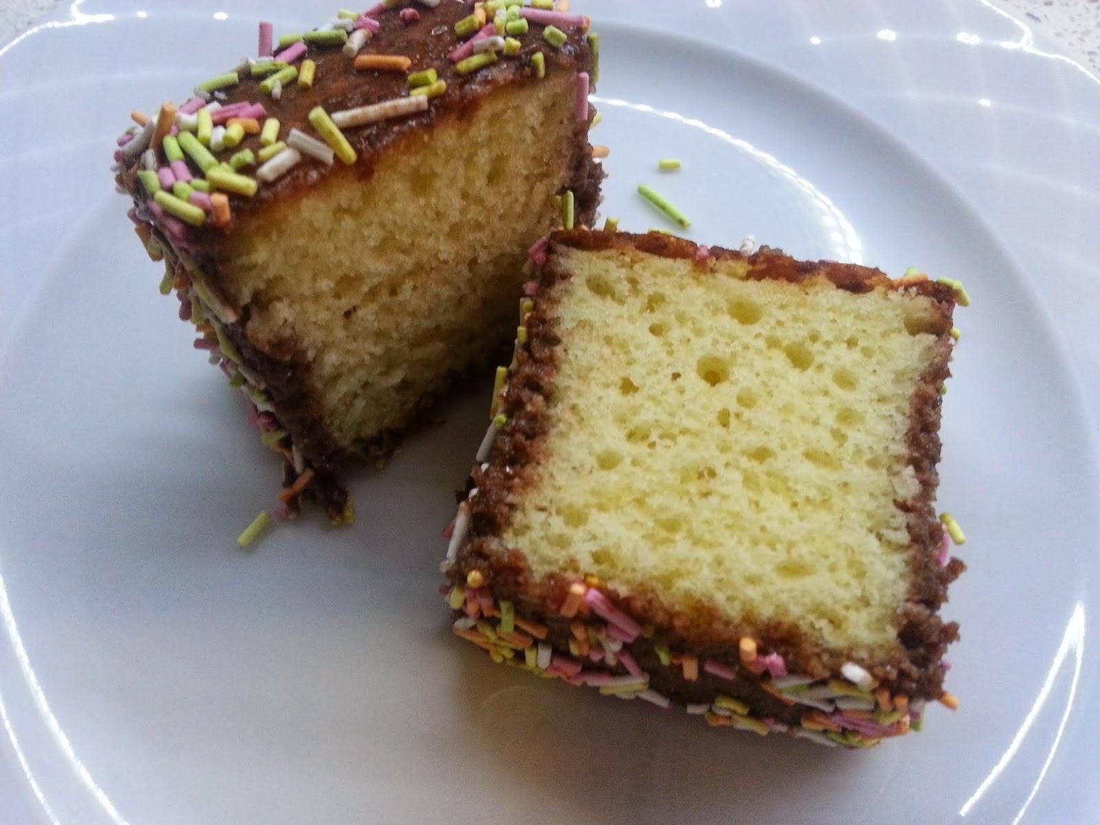 sürpriz kek, süpriz kek, kek, tatlı, ikram, misafir için, 5 çayı, çay yanına, tatlı,  ne pişirsem, bugün ne yapsam, sos, çikolata