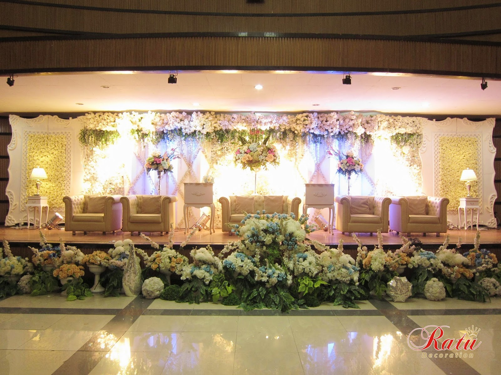 Decoration bandung 28 images magenta wedding decoration bandung decoration junglespirit Images