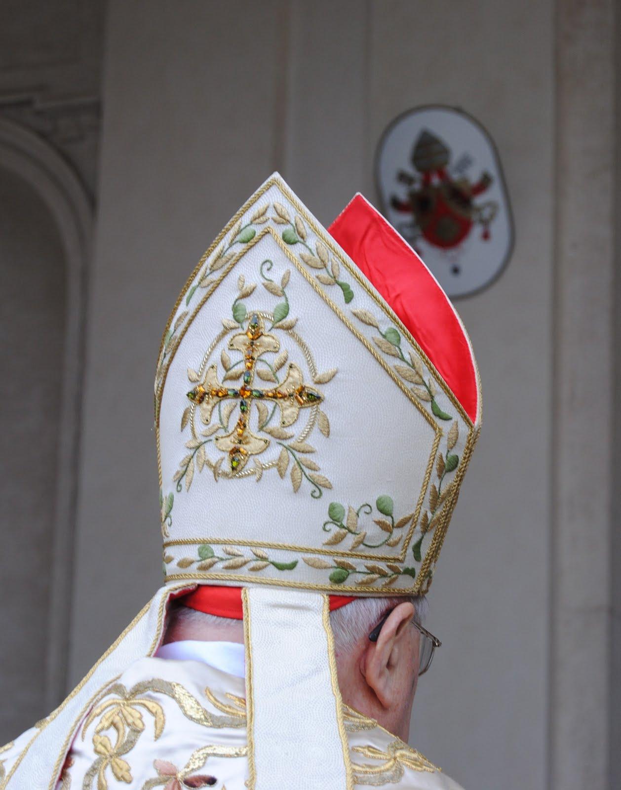 Orbis Catholicus Secundus Papal Arms With Mitre Or Tiara