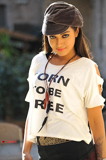 Catherine Tresa Pictures from Iddarammayilatho Telugu Movie 0004