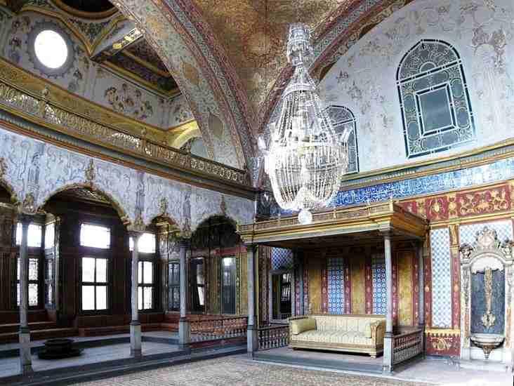 Istana Paling Luas Di Dunia
