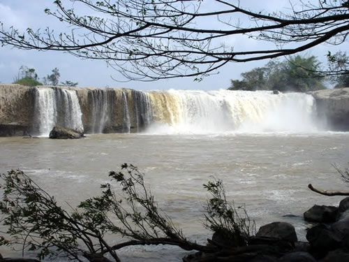 Xung Khoeng Waterfall Destination in Gia Lai