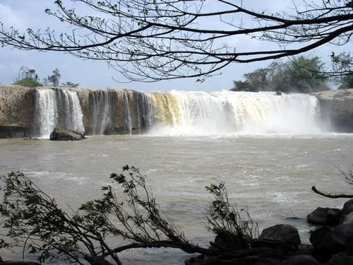 Xung Khoeng Waterfall Destination in Gia Lai
