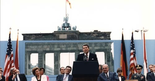 12 juni 1987 zur rede des pr sidenten der usa ronald reagan vor dem brandenburger tor ddr. Black Bedroom Furniture Sets. Home Design Ideas