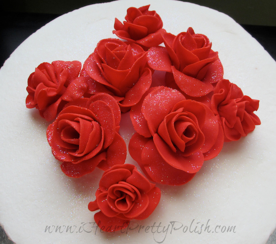 simple red rose wedding cake diamond impression