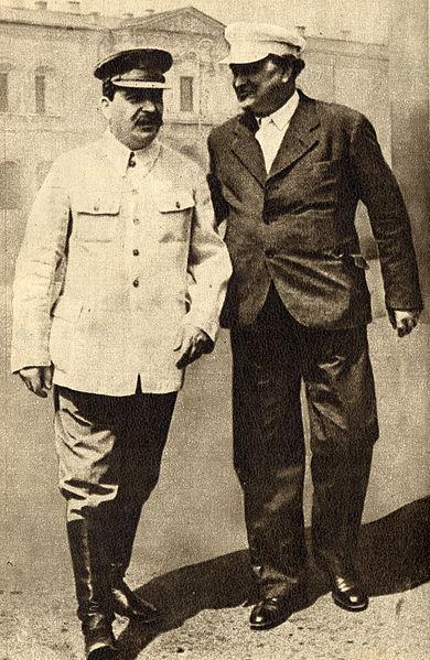 Georgi Dimitrov, padre del frente único antifascista  390px-Joseph_Stalin_and_Georgi_Dimitrov%252C_1936