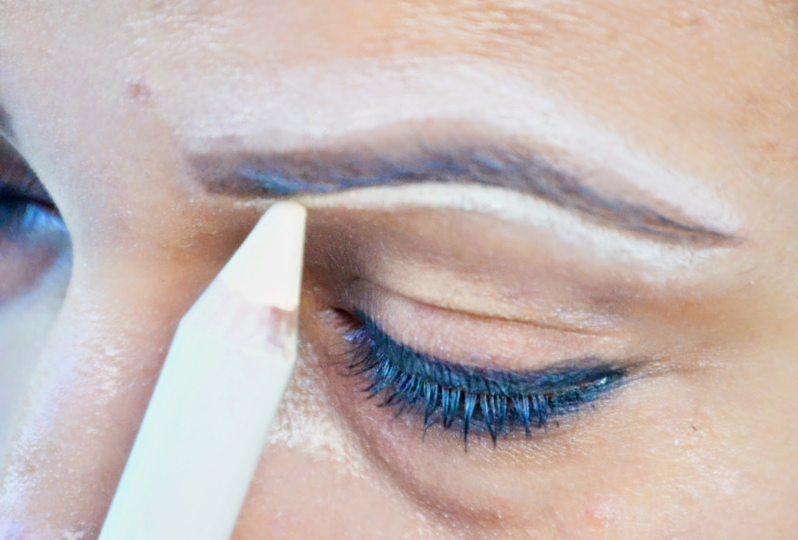 How To Groom Eyebrows Using Billion Dollar Eye Brow Kit A Step By Step Tutorial + Giveaway www.sandysandhu.co