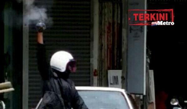 Video Perompak Bersenjata Samun Kedai Emas di Di Taman Chai Ling