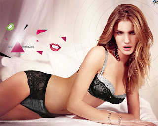 Rosie Huntington Hot