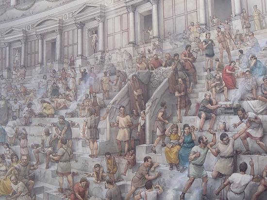 Widzowie na trybunach Koloseum. Obraz z wystawy w Koloseum - fot. Tomasz Janus / sportnaukowo.pl