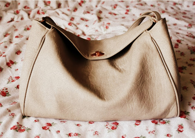Zara-messenger-handbag-bloggers-blog-post