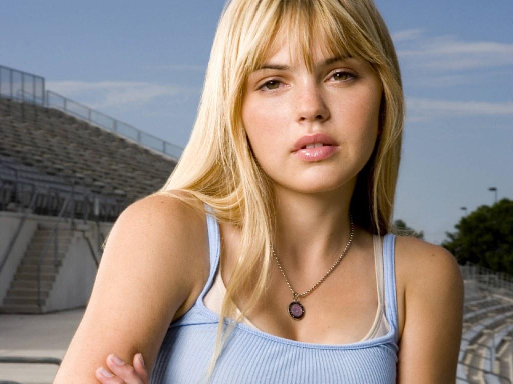 http://2.bp.blogspot.com/-6mqYSFM630g/TxULUZcUETI/AAAAAAAANts/tG46BfkVd0w/s1600/Aimee+Teegarden+%25283%2529.jpg