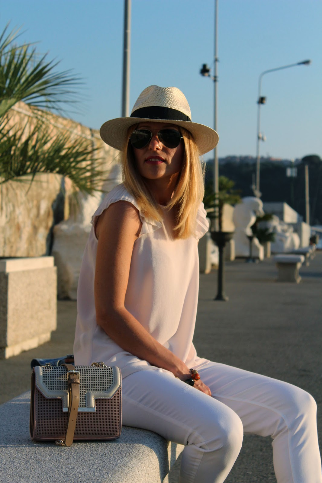 Eniwhere Fashion - Elba Porto Azzurro - Skinny jeans white and Panama Hat