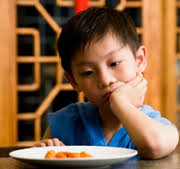 Mẹ là người định hình nên thói biếng ăn ở trẻ