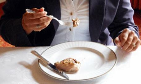 Cara Memakan Steak Menggunakan Pisau dan Garpu, ala amerika