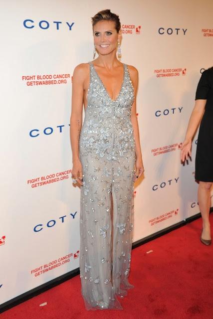 Heidi Klum Temperley London kıyafetiyle