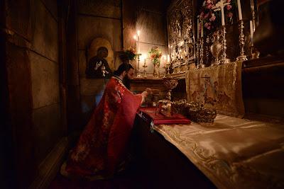 Στον Πανάγιο Τάφο του Χριστού στα Ιεροσόλυμα.