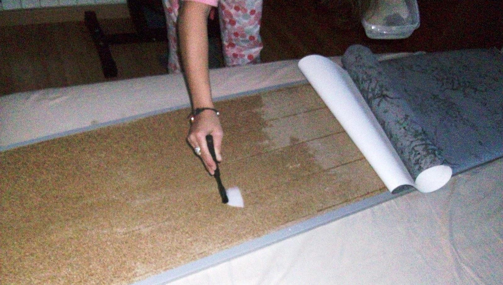 Cuquines diy forrar una puerta con papel - Papel para forrar puertas ...