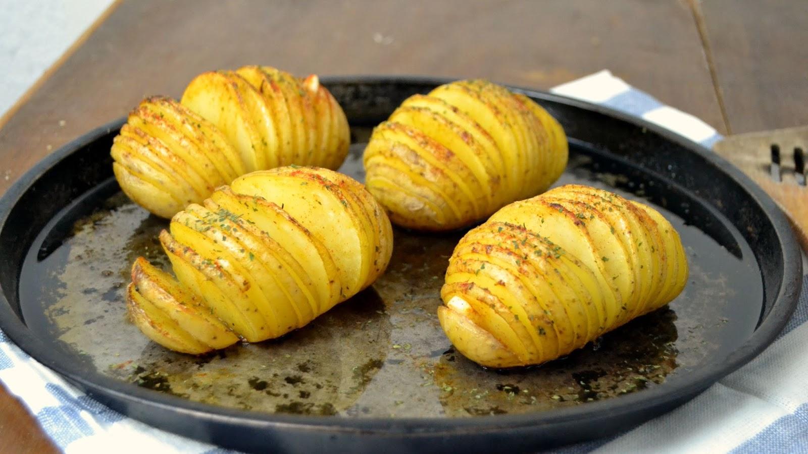 Patatas al horno hasselback cuuking recetas de cocina - Patatas pequenas al horno ...