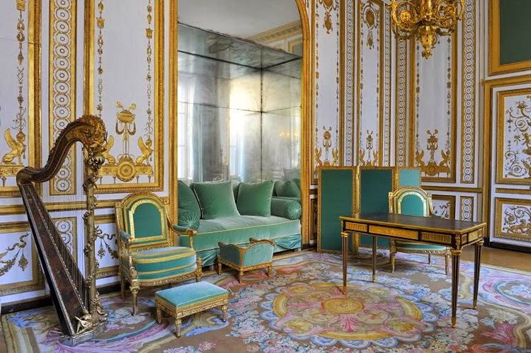 Gods and foolish grandeur marie antoinette 39 s cabinet dor for Salon de versailles