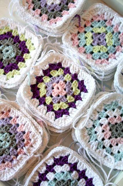 crocheting a granny square blanket somehow i wasn t happy with the way