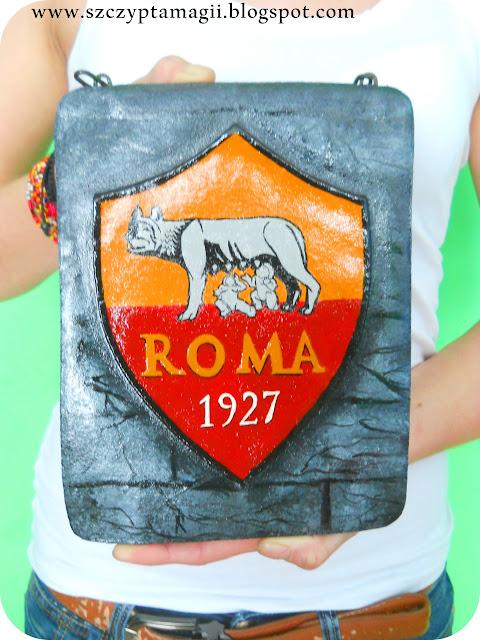 AS Roma – pokaz wszystkich czterech herbów w rękach mojej siostry