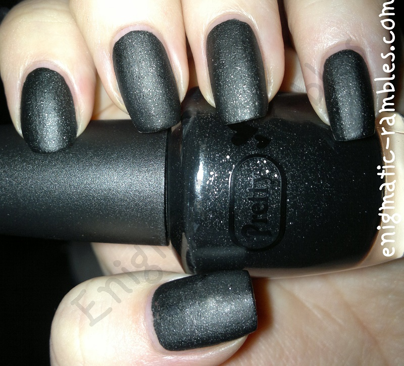pretty-poundland-leather-look-black-nail-polish